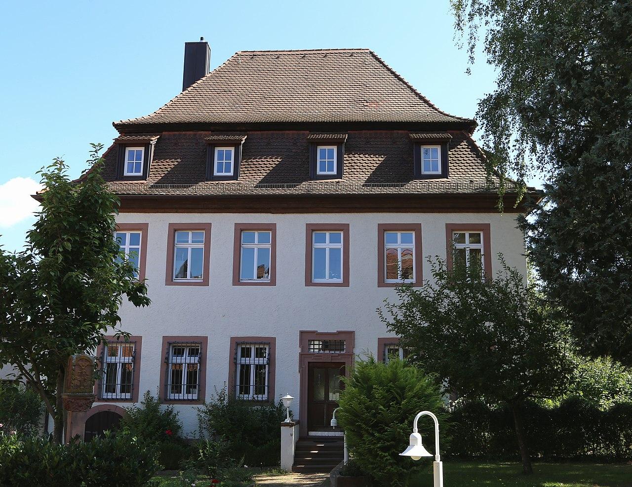 Datei kleine kirchgasse 2 4 pfarrhaus lohr am main for Heimbach lohr am main
