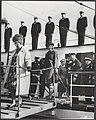 Koning Olav van Noorwegen heeft aan boord van zijn jacht de ´Norge´ een lunch aa, Bestanddeelnr 020-0470.jpg