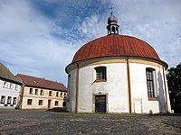 Kostel Povýšení sv. Kříže, pohled zepředu.jpg