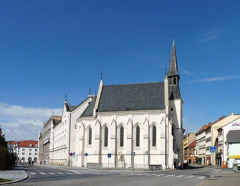 Soubor:Kostel sv. Rodiny (ČB) 01.jpg