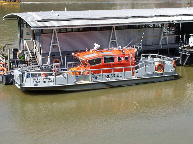 LFB fireboat.JPG