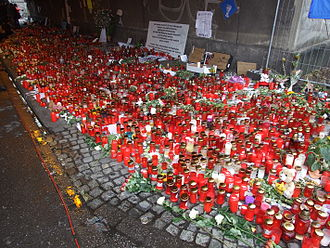 Love Parade disaster - Candles near where the disaster took place