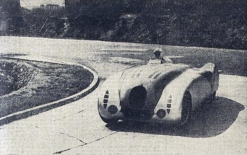 File:La Bugatti T57G de Philippe de Rotschild et Robert Benoist, au Grand Prix de l'ACF 1936.jpg