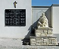 Lackendorf,-Friedhof,-Kriegerdenkmal-(190812).jpg