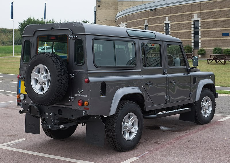 File:Land Rover Defender 110 Station Wagon 2016 - rear.jpg