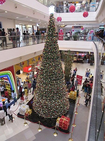 File:Large-christmas-tree-at-phoenix-mall-chennai.jpg
