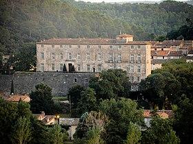 Le vieux village et le château