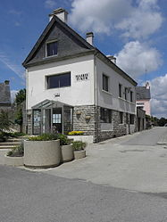 The town hall in Le Croisty