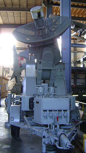 RSD 58 - Image: Lenkwaffensystem RSCD Leitstrahlsender front