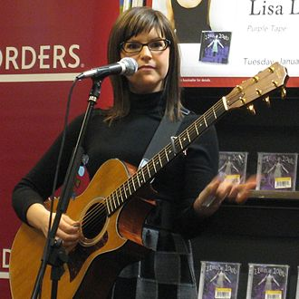 Lisa Loeb discography - Image: Lisa Loeb Borders 2008