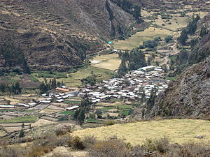 Pacllón District - The village of Llamaq in the Pacllón District