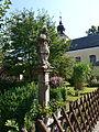 Loučka (VS), Jan Nepomucký a kostel.JPG