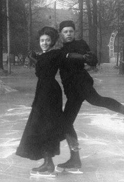 Ludowika and Walter Jakobsson.jpg