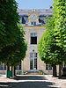 Lycee Michelet Vanves pavillon Mansart vu cour.jpg