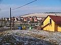 Málkov (BE), obecní úřad a západní část vesnice.jpg
