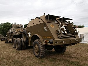Six-wheel drive - Image: M25 Tank Transporter Dragon Wagon pic 1