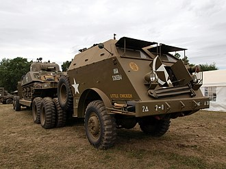 Six-wheel drive - Image: M25 Tank Transporter Dragon Wagon pic 1