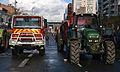 Manifestation agriculteurs Toulouse (07 novembre 2014) - Sapeurs Pompiers Avenues Jean Jaurès Confrontation Pompiers Tracteur.jpg