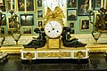 Mantle clock with gold trim (25274727345).jpg