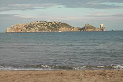 Illes Medes seen from L'Estartit beach. Meda gran is in the forefront, taking over most of the silhouette