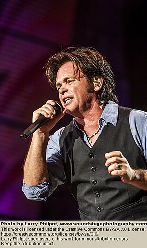 Ghost Brothers of Darkland County - Reviewers emphasized the strength of Mellencamp's songwriting.