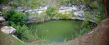 "English: ""Cenote de los Sacrificios""..."