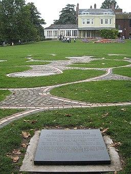 Millennium maze in Higginson Park - geograph.org.uk - 957604