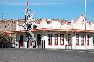 Mission Style ATSF-BNSF-Santa Fe Train Station Kingman-AZ 2012-01-25.JPG