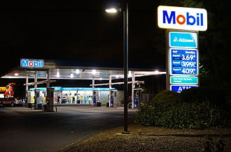 Mobil - Mobil gas station Route 1, Saugus, Massachusetts - night view