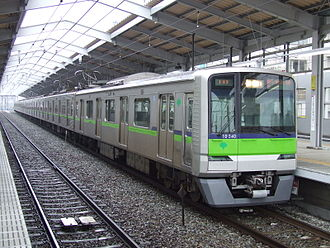 Toei 10-000 series - 10-300R series set 10-340, formed of former 10-000 series intermediate cars, May 2006