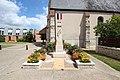Monument aux morts de Pecqueuse le 6 août 2016 - 2.jpg