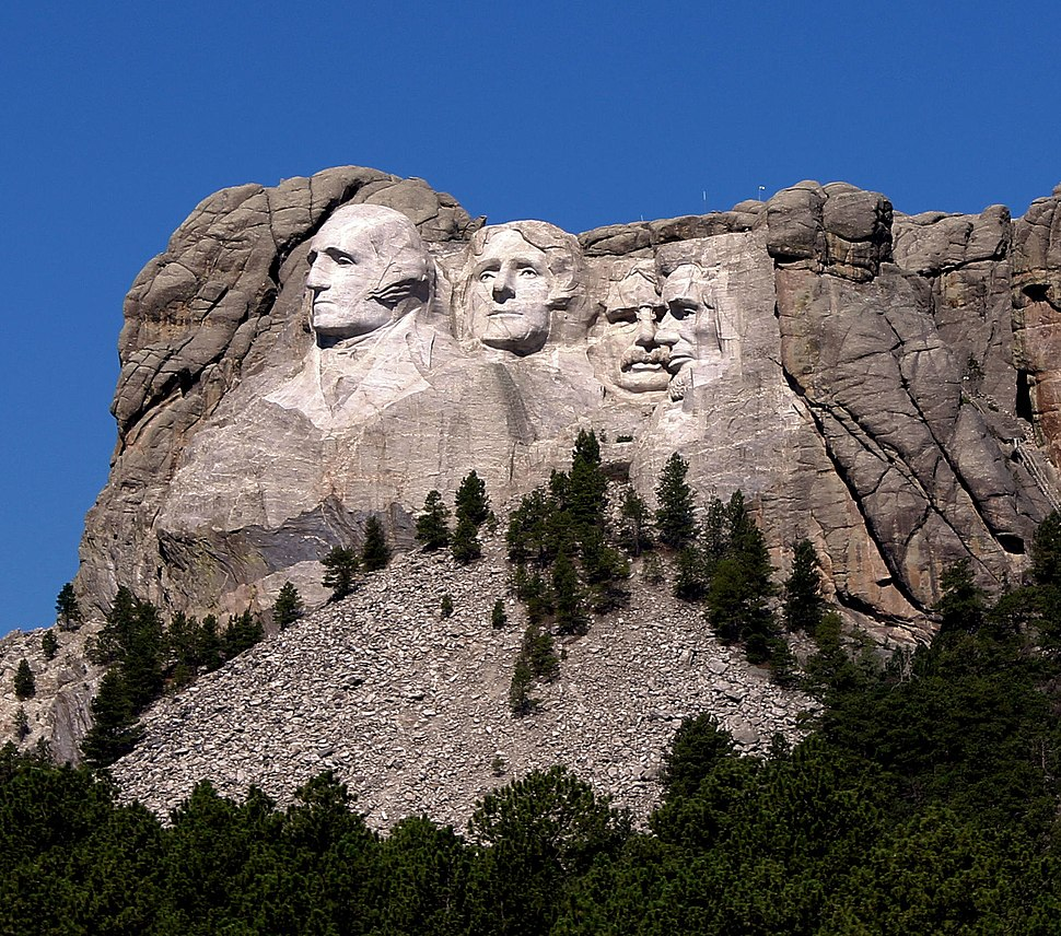 Mount Rushmore from highway