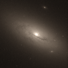 NGC 4117 hst 08597 G606.png