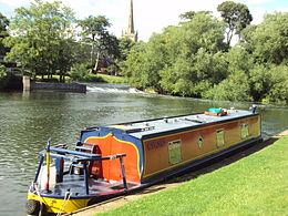 Narrowboat and weir, Stratford-upon-Avon - DSC08987.JPG