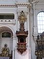Neue Pfarrkirche St. Margaret Kanzel Muenchen-2.jpg