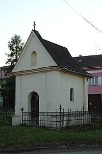 Olomouc-Slavonín-kaplička-na-náměstíčku2013.jpg