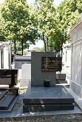 Grave of Adam-Braun
