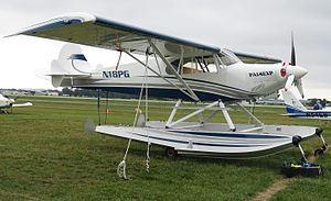 Piper PA-14 Family Cruiser - PA-14 Experimental modification on amphibious floats