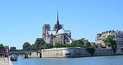 Paris Ile-de-la-Cite Notre-Dame von Osten.jpg