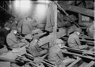 Breaker boy - Breaker boys sort coal in an anthracite coal breaker near South Pittston, Pennsylvania, 1911.