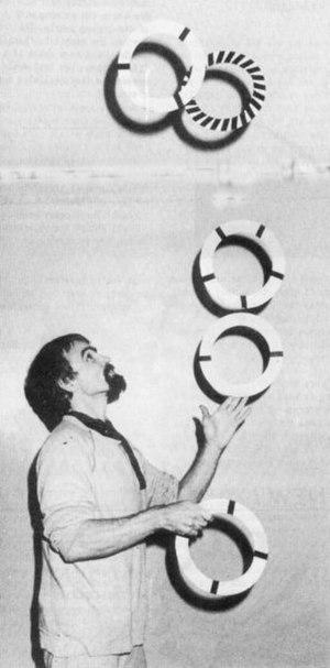 Toby Philpott - Toby Philpott juggling.