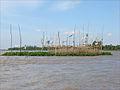 Piège à poissons sur le Bassac (île du Tigre, Vietnam) (6635509357).jpg
