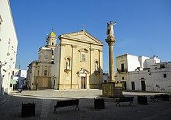 Piazza Taviano.jpg