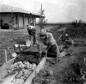 Gat, Israel - Building the kibbutz