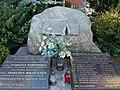 Pomnik Szarych Szeregów w Buku.jpg