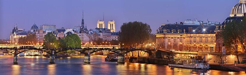 3091dc19654310 Panorama sur le pont des Arts et l Institut de France, de nuit.