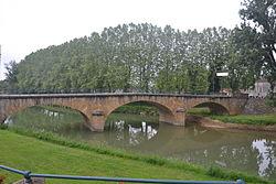 Pont sur Arros à Plaisance.JPG