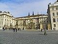 Praha, Pražský hrad, I. nádvoří - panoramio.jpg