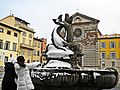 Prato-01,02,2012-Fontana dei Delfini con neve.jpg