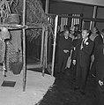 Prins Bernhard opende Surinametentoonstelling Mamio in Zwolle Prins Bernhard en, Bestanddeelnr 915-2817.jpg